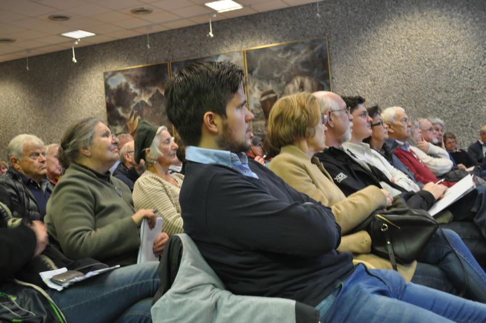 mange møtte opp på informasjonsmøtet i Bergen sentrum